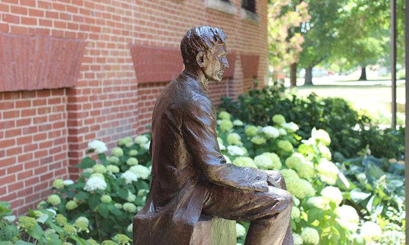 Elizabeth And Byron Anderson Sculpture Garden Isu University Museums