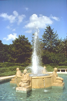 Fountain of the Four Seasons sculpture